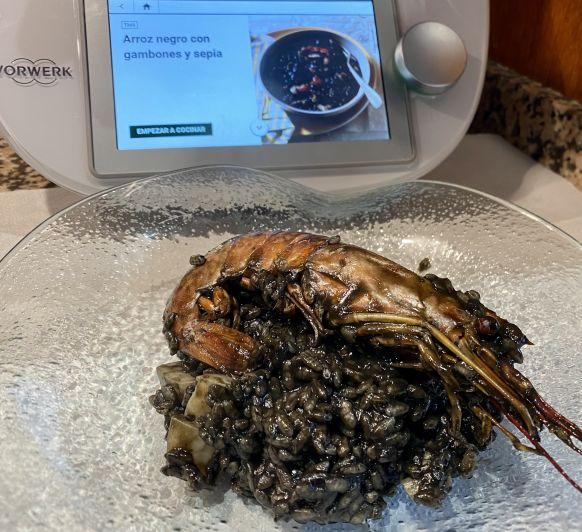 Arroz negro de sepia y gambones con Thermomix®