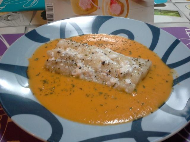 Bacalao en salsa ligera de tomate con Thermomix®