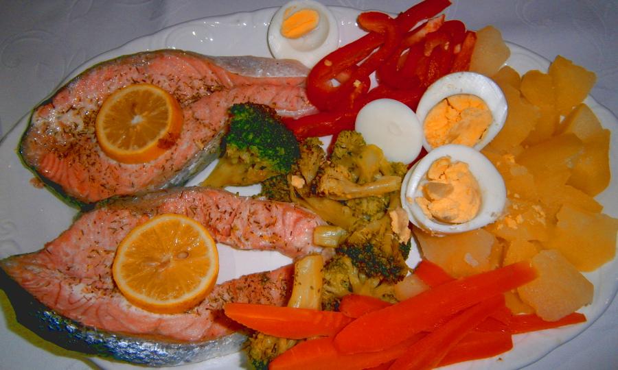 Crema rápida y Salmón al vapor con verduras