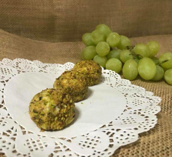 Aperitivo de queso de cabra, uvas y pistachos con Thermomix®
