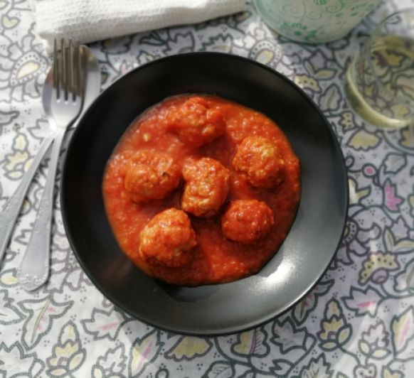 Albóndigas con salsa de tomate (Cocción lenta)