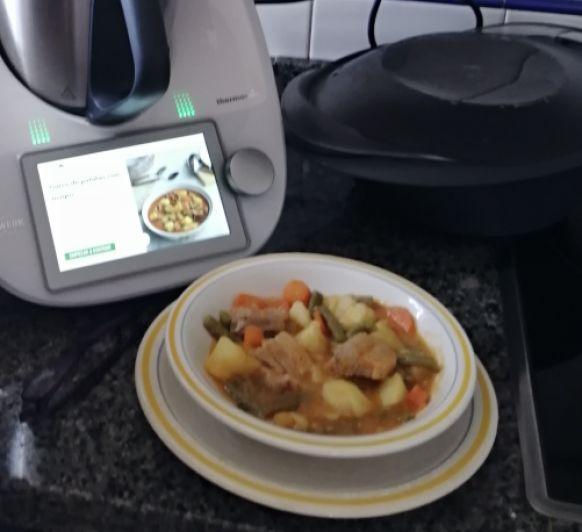 Guiso de patatas con magro con Thermomix®