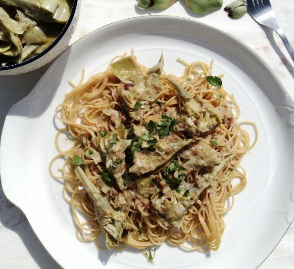 Espaguetis integrales con alcachofas y jamón con Thermomix®